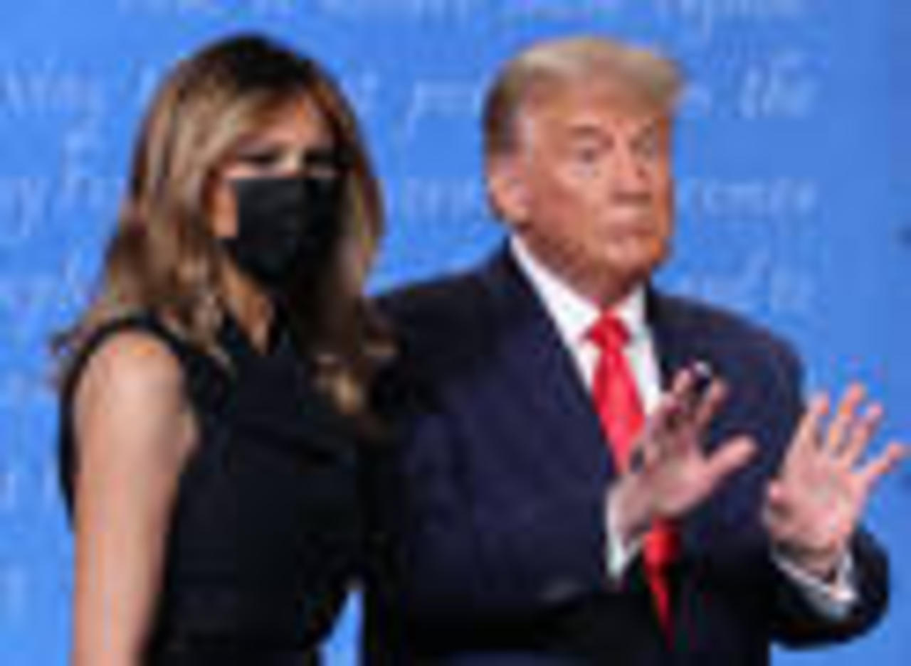 Twitter Has Thoughts About Melania Trump Pulling Away From Donald Trump's Hand After the D