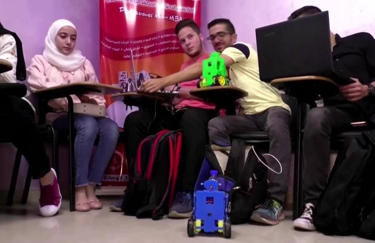 Syrian robot doubles as IT tutor