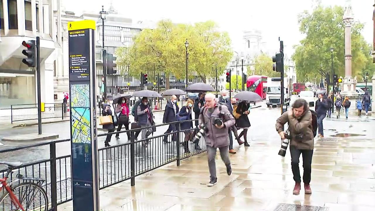 Michel Barnier arrives at post-Brexit talks in London