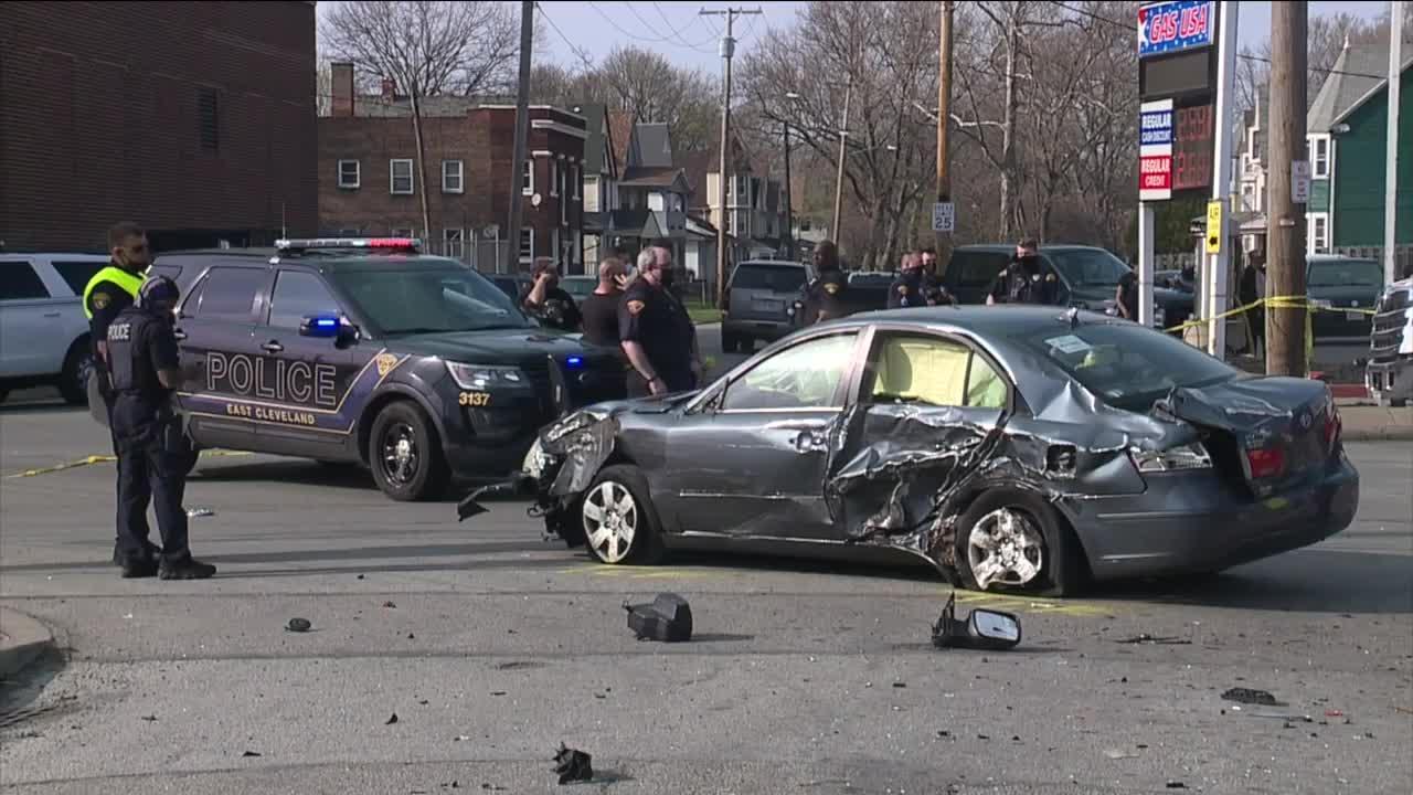 East Cleveland police officer injured after chase ends in crash