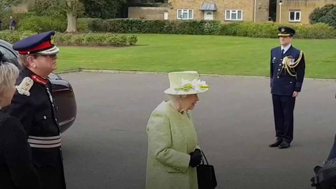 Queen returns to royal duties