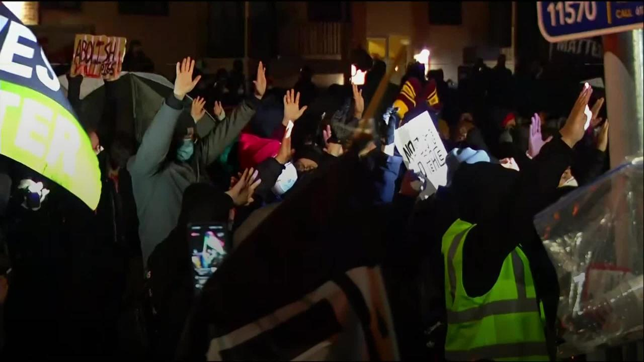 Protests continue over fatal shooting of black man in Minnesota