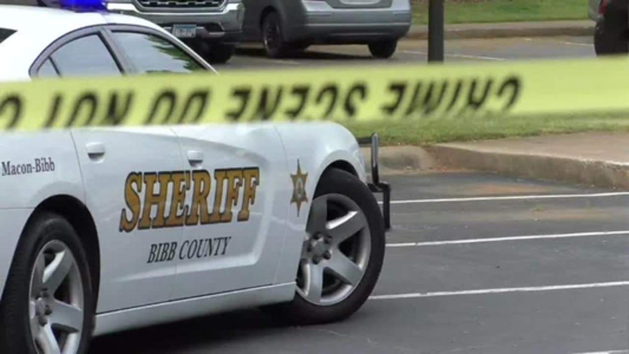 1 dead after early morning shooting in North Macon