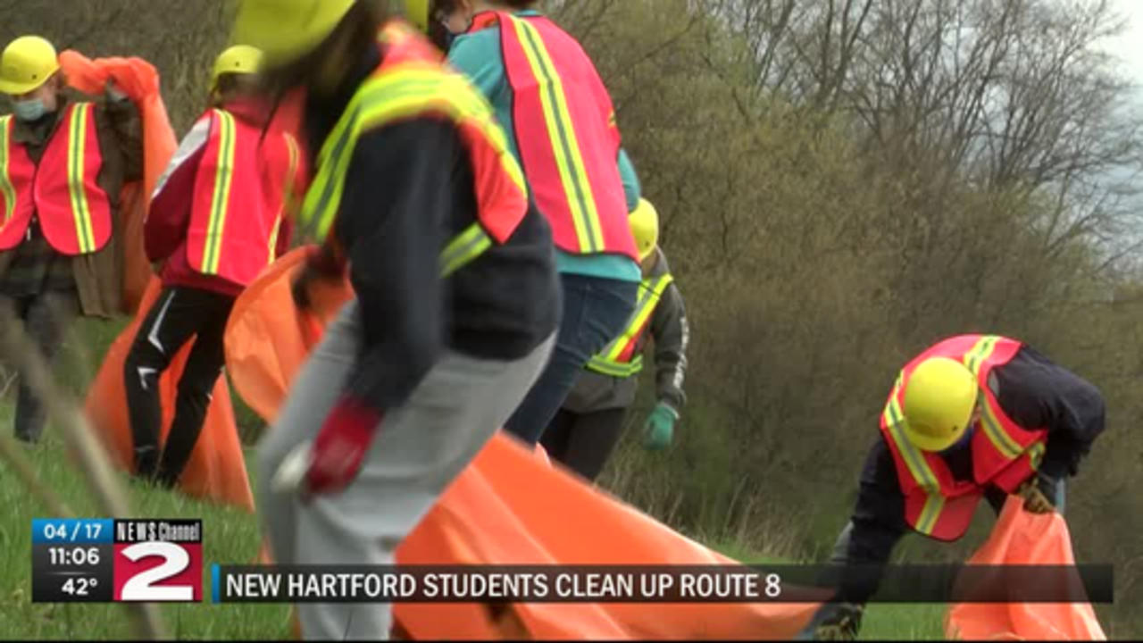 New Hartford students spend their day off doing a little spring cleaning