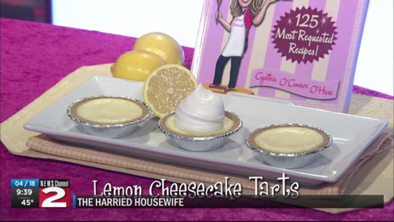 The Harried Housewife: Lemon Cheesecake Tarts