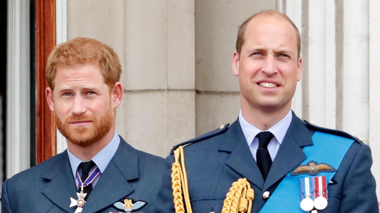 Les princes Charles, William et Harry ont eu une discussion