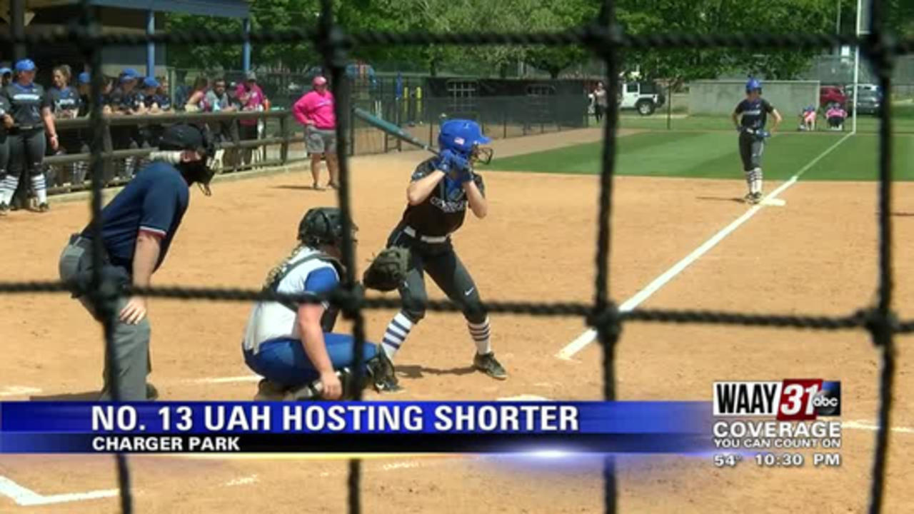 7-run inning powers Chargers to victory