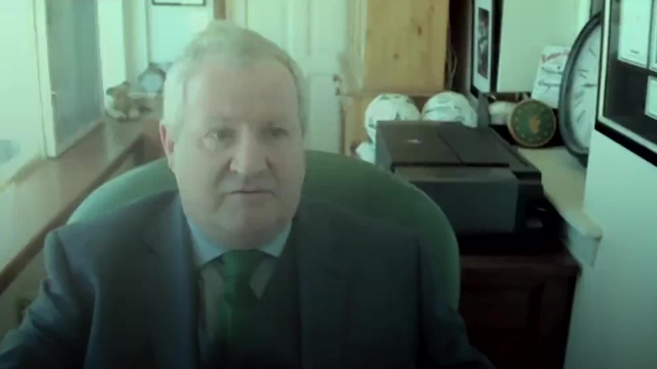 Boris Johnson teases Ian Blackford over barking dog
