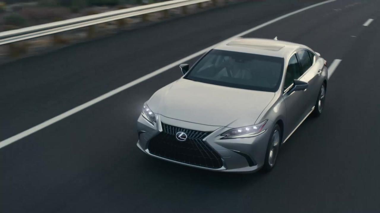 World Premiere for the new Lexus ES Trailer