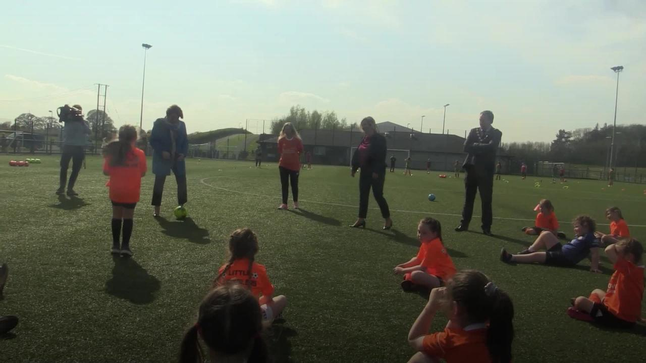Foster and O'Neill hit the net on visit to see young footballers