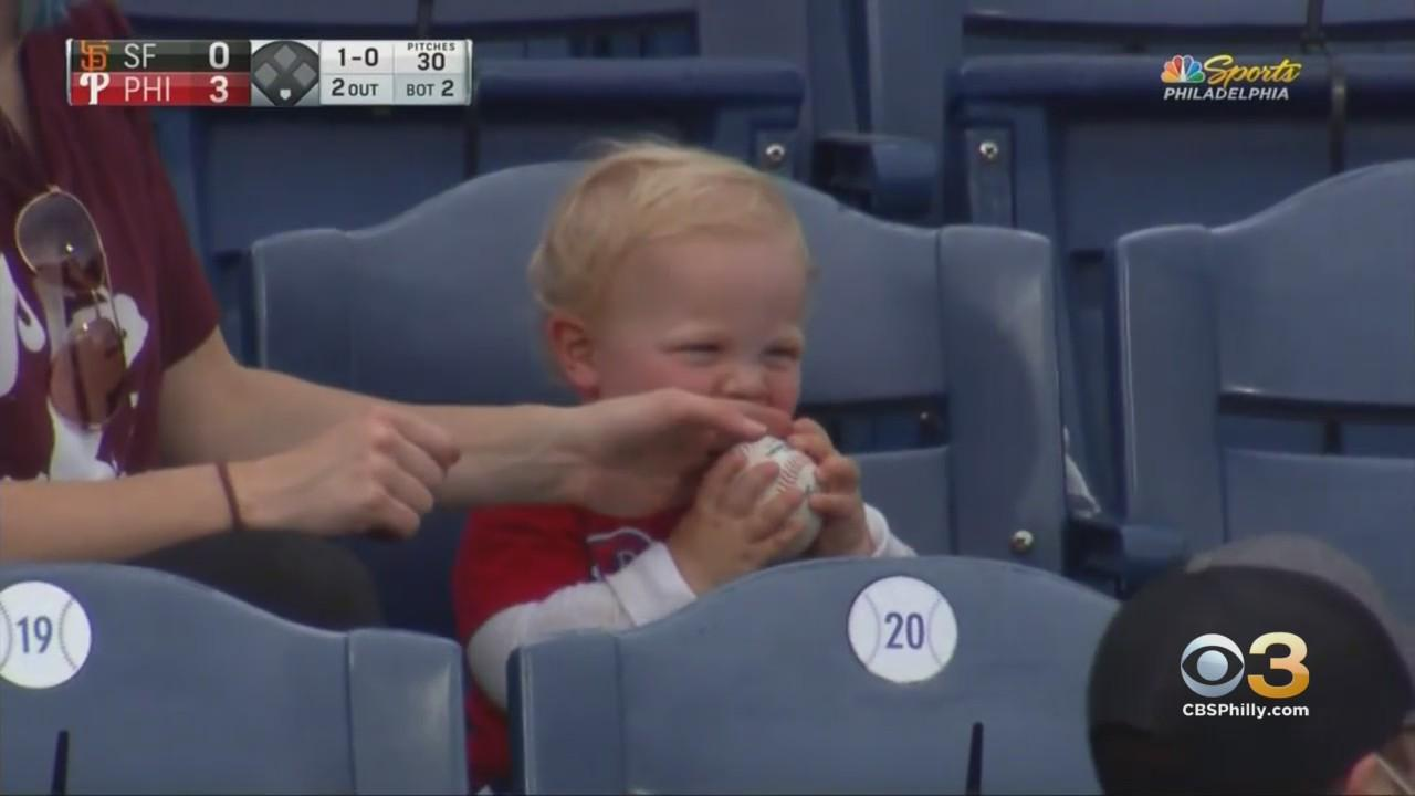 1-Year-Old Boy Steals Show After Trying To Eat Mickey Moniak's 1st Career Home Run Ball