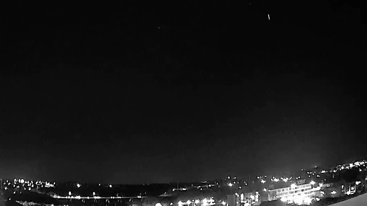 Lyrid meteor shower seen over Hawaii on Earth Day