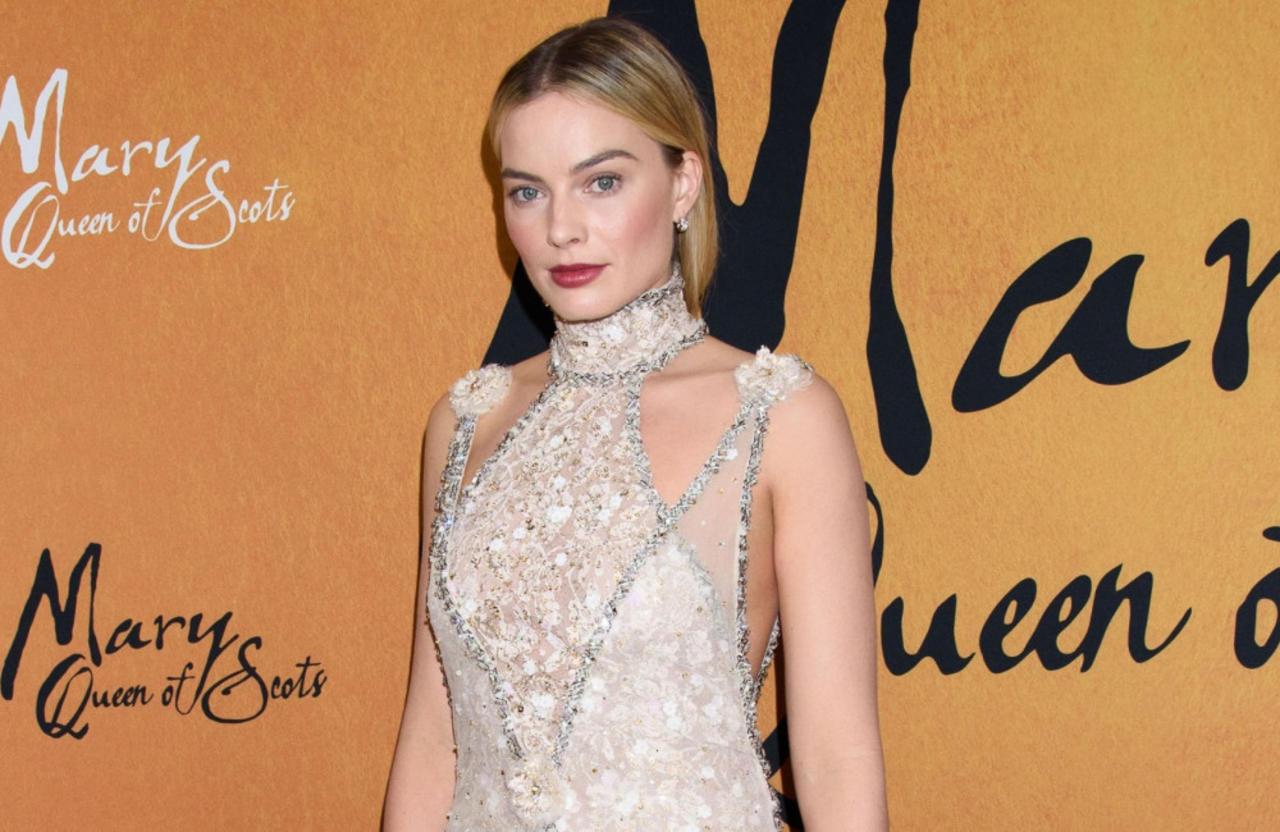 Margot Robbie hilft jungen Menschen mit Behinderungen