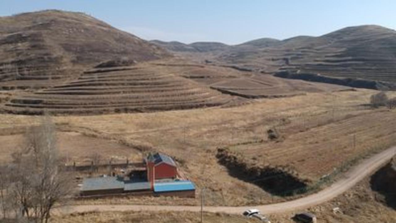 A Chinese village too hot to grow crops
