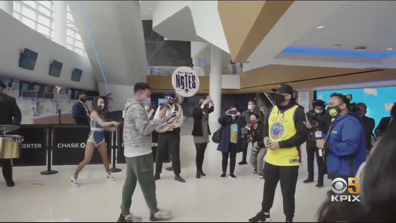 Warriors Welcome Dub Nation Fans to Chase Center