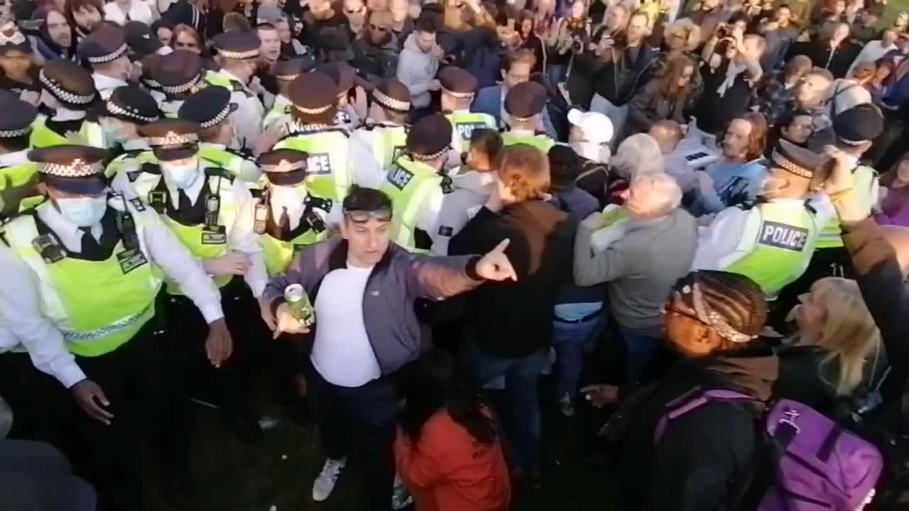 Scuffles and clashes at anti-lockdown demo in London
