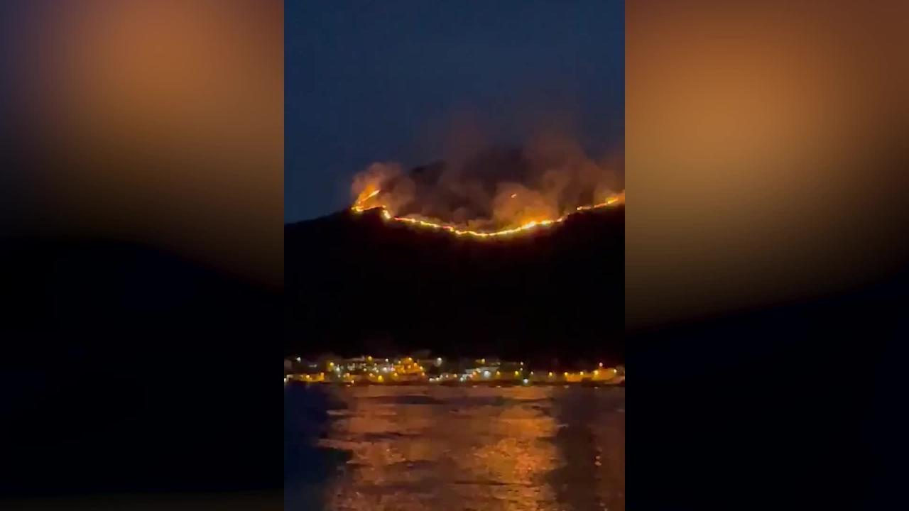 Firefighters battle huge gorse blaze in Mourne Mountains