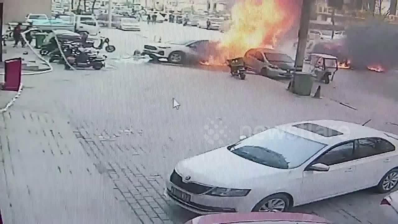 Motorist catches fire after flames burst out of minibus in northwestern China