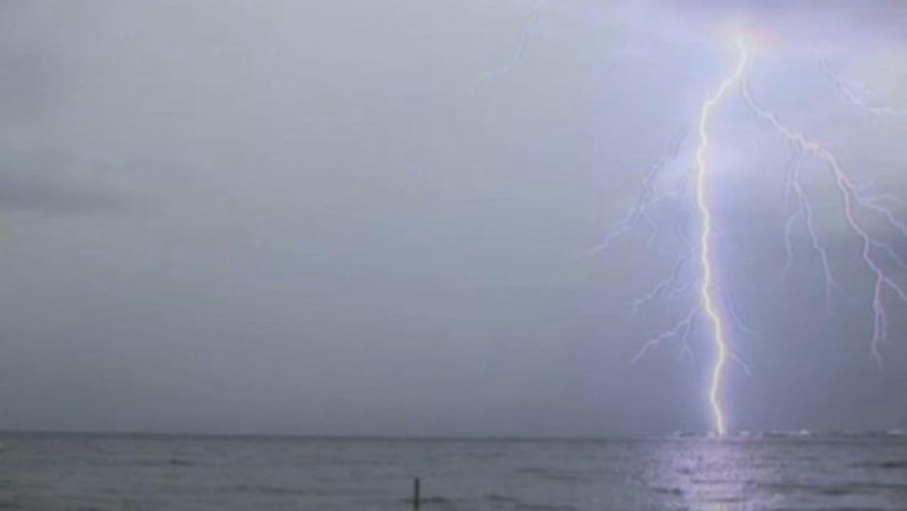 Do Fish Die When Lightning Strikes Water?