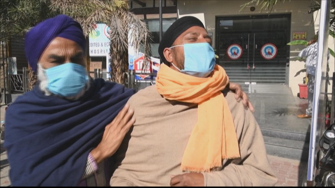Delhi extends COVID lockdown as cases surge