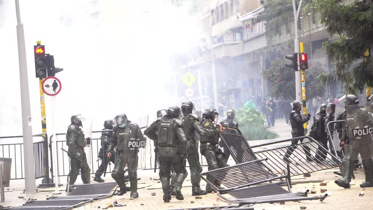 Scores injured during huge protests in Colombia against tax reform