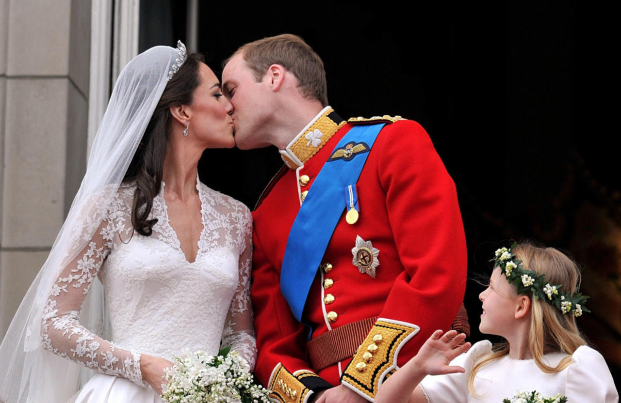 10 years of marriage! Prince William and Kate's most romantic moments