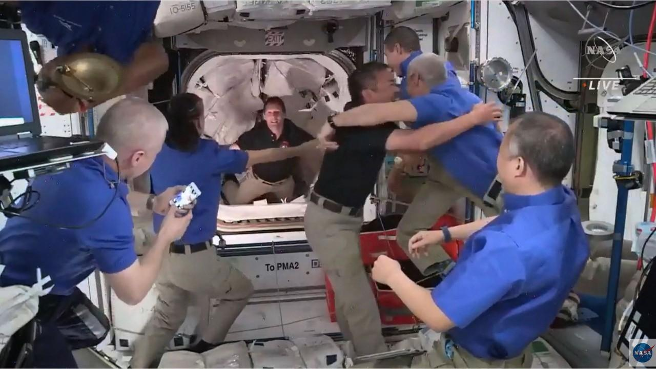 Astronaut goes to space, but his wife finds a replacement