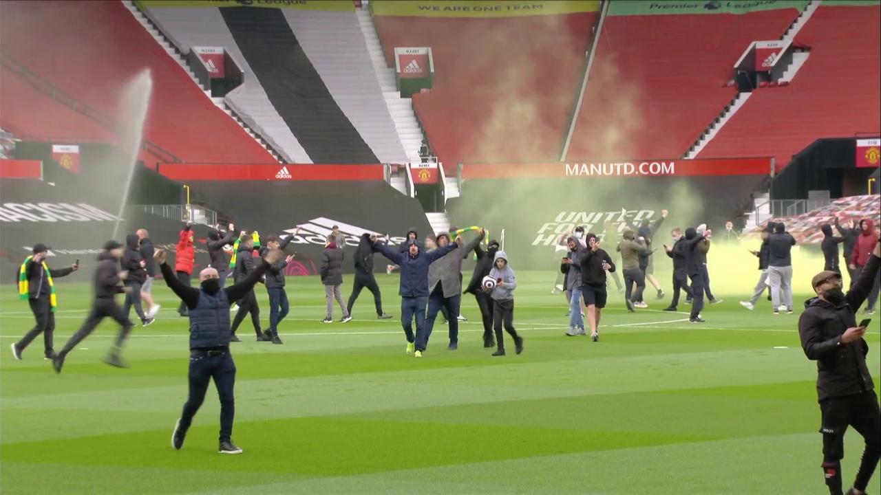 Man Utd fans break into Old Trafford