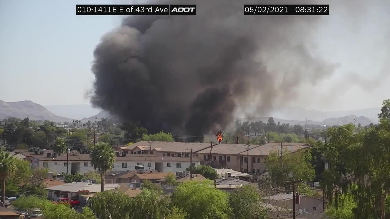 Phoenix Fire battles blaze near 43rd Avenue and McDowell Road