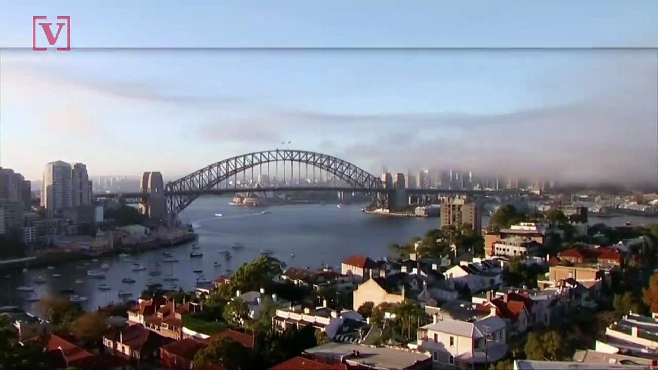 Smoke Envelopes Sydney as Fire Experts Employ Preventative Wildfire Measures