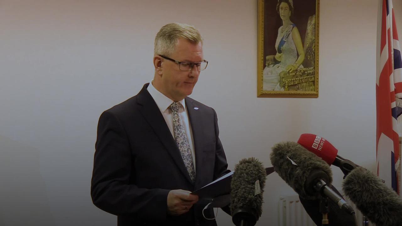 Sir Jeffrey Donaldson announces DUP leadership bid
