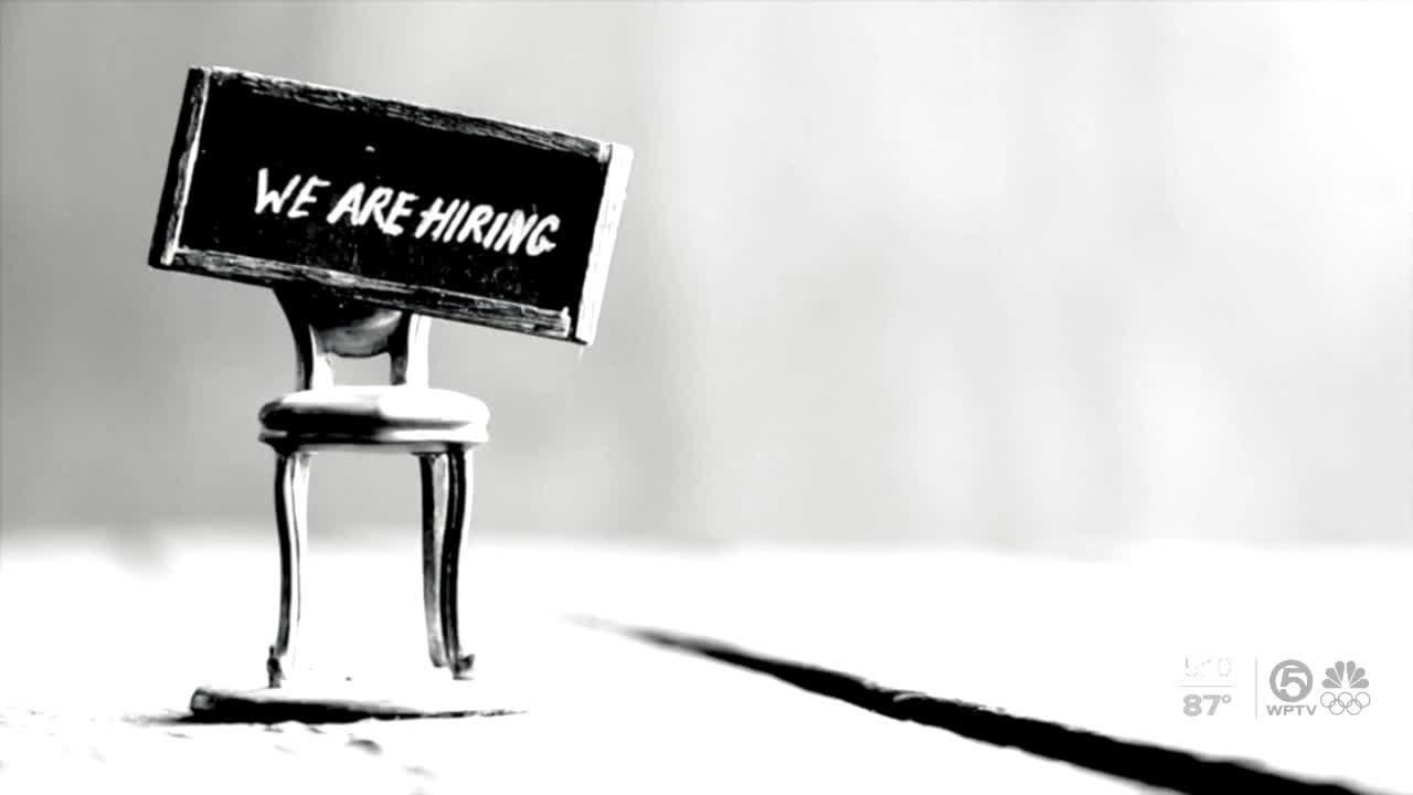 Collecting unemployment benefits versus working