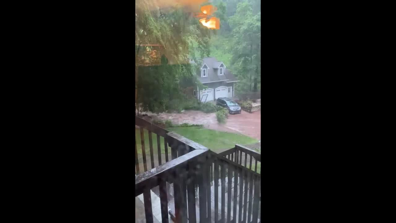 Severe storm causes flash floods in central Alabama