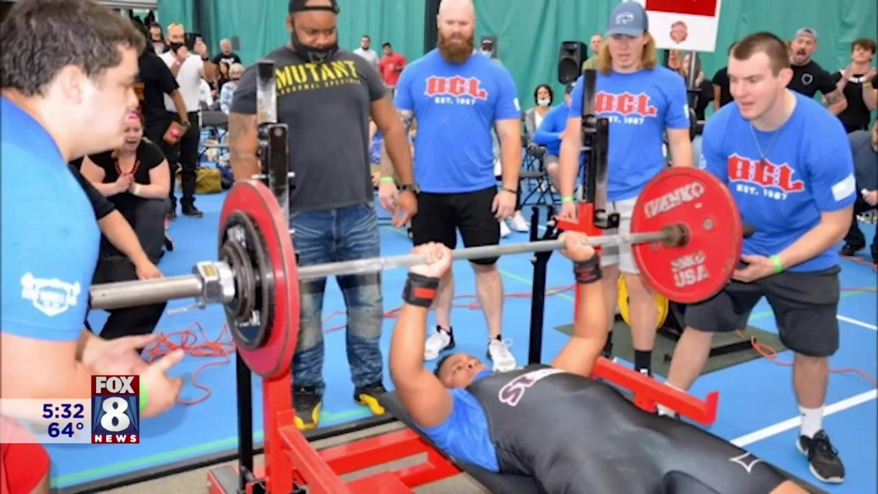 13-year-old in Ohio breaks bench press record
