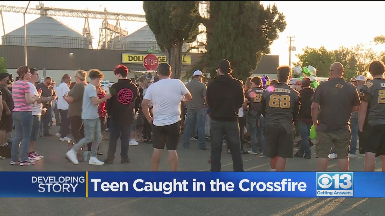 Gathering Held To Remember Keyes Teen Shot In Crossfire