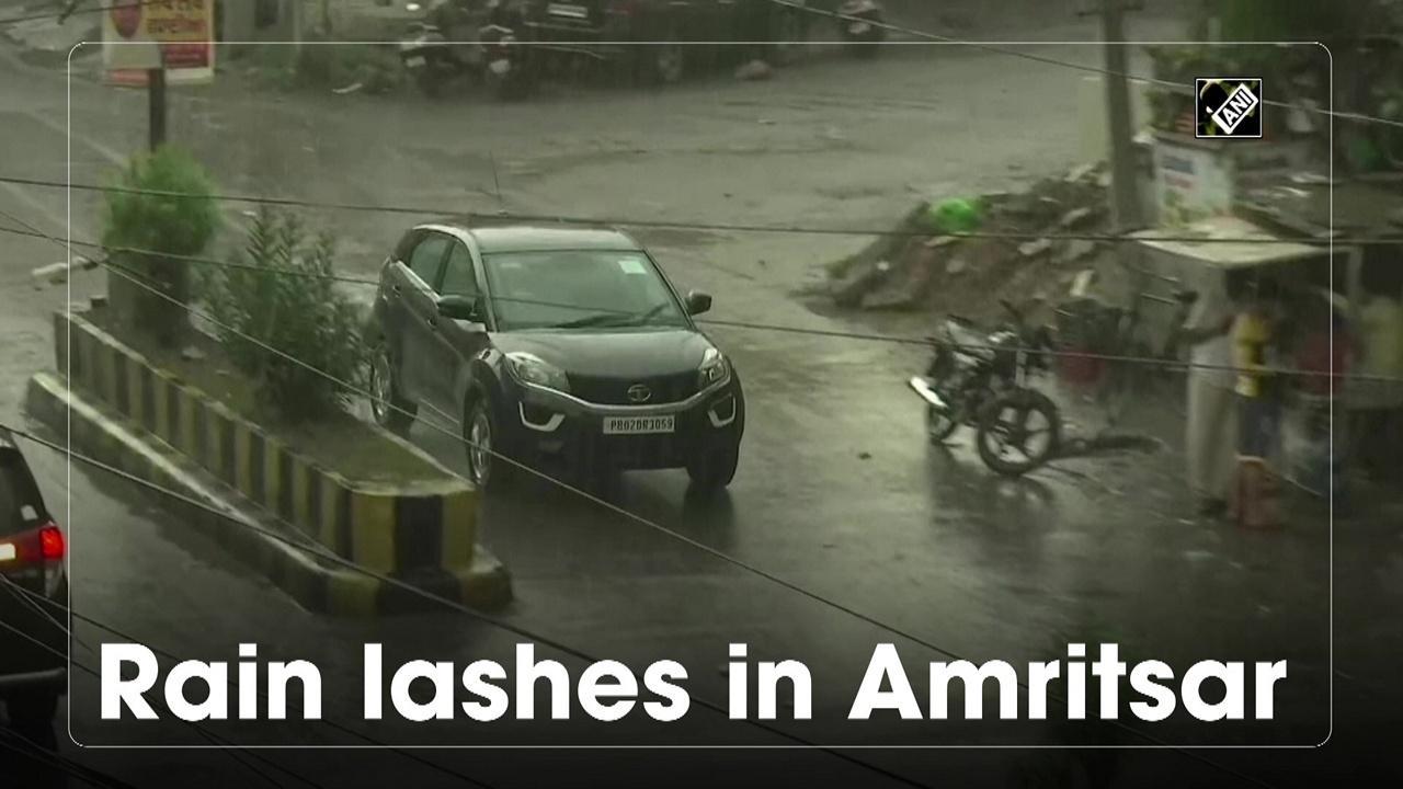 Rain lashes in Amritsar