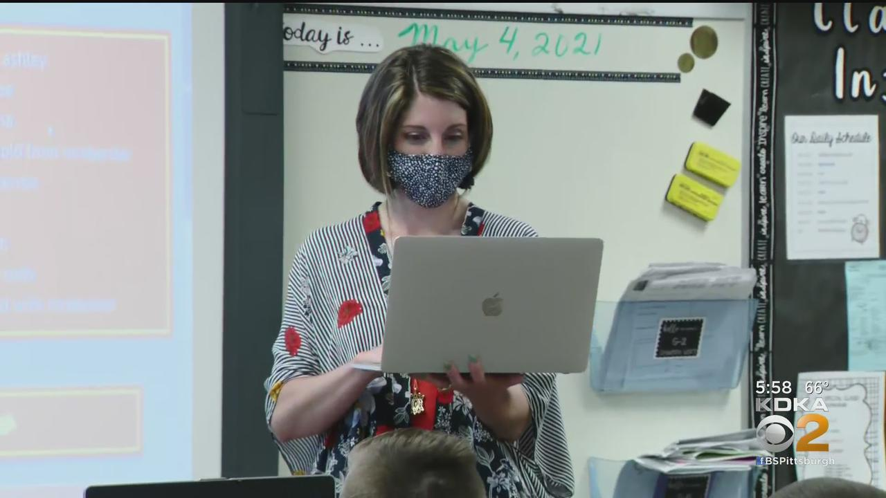 Teacher Uses Creativity To Stand Out