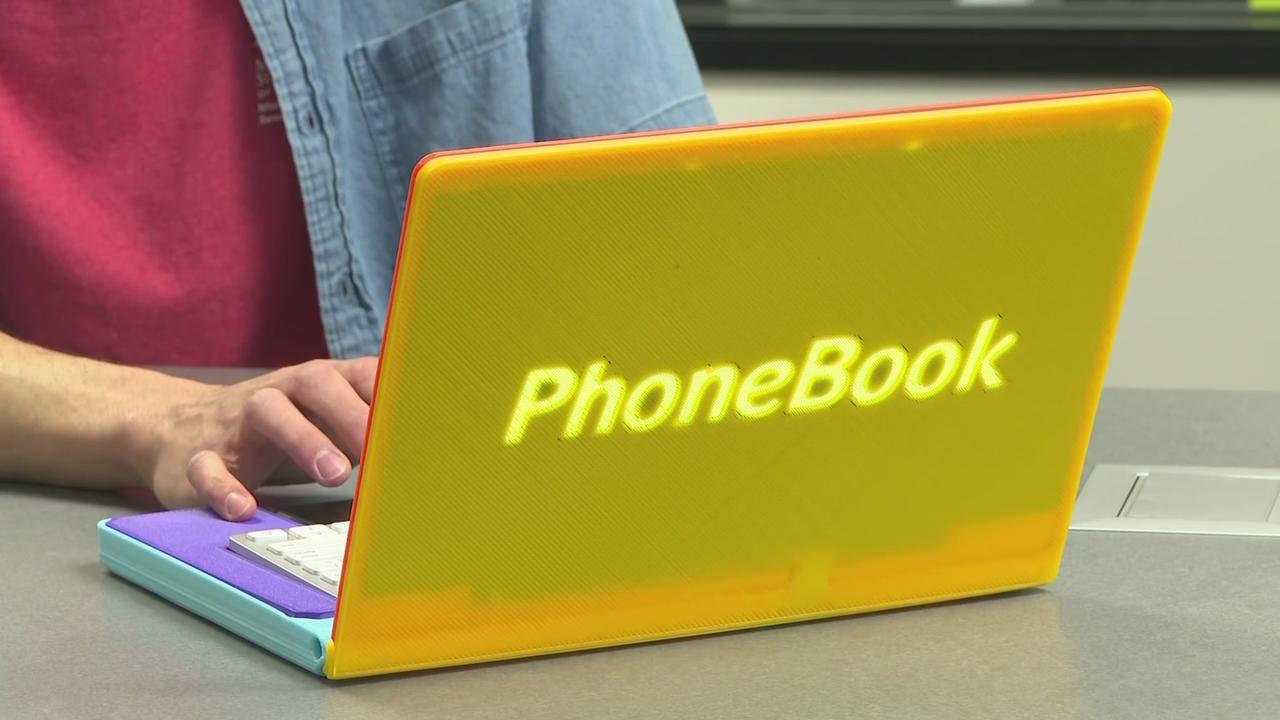 A Student At Metropolitan State University Created The 'Phonebook' Turning Smartphones Into Laptops