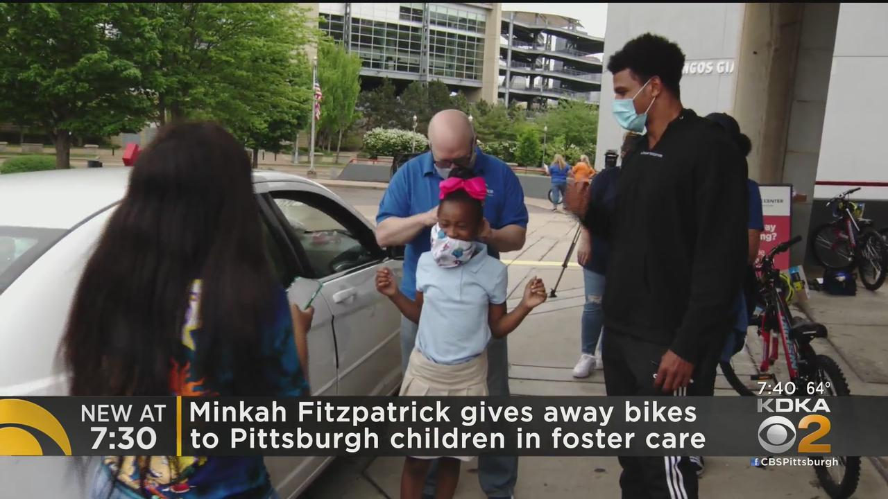 Steelers S Gives Bikes To Foster Care Kids