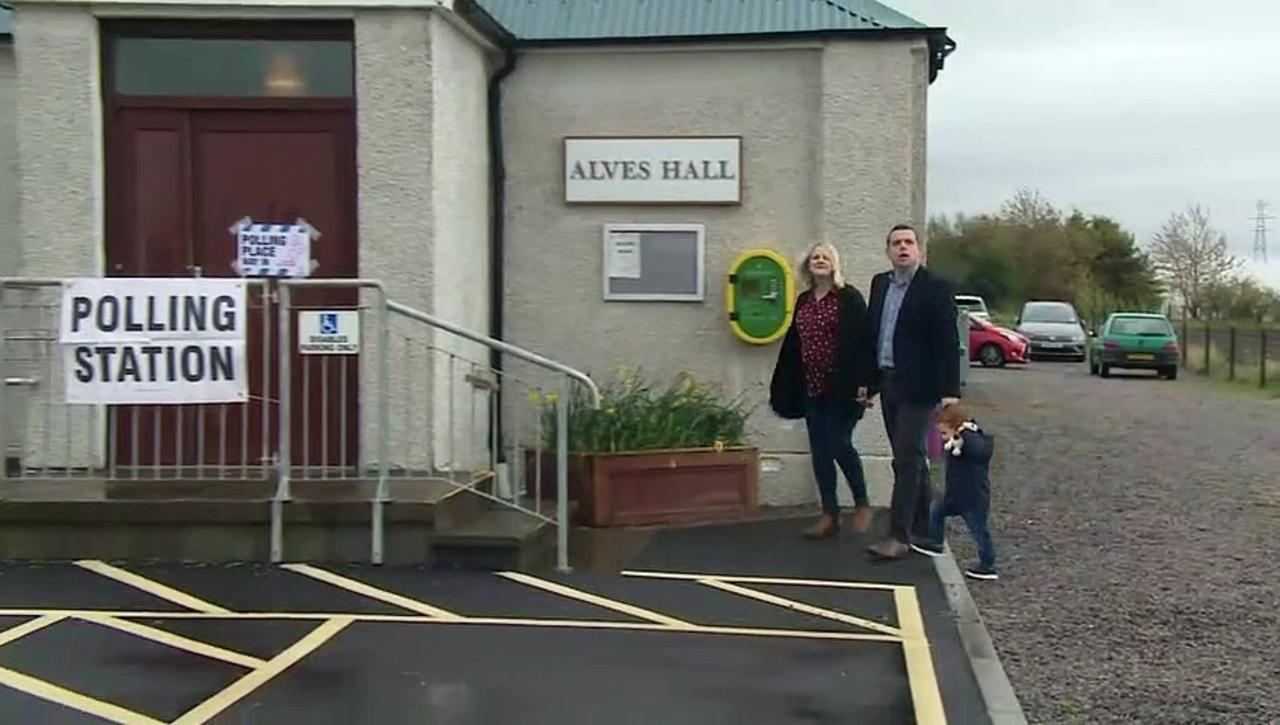 Ross and Salmond cast their election votes