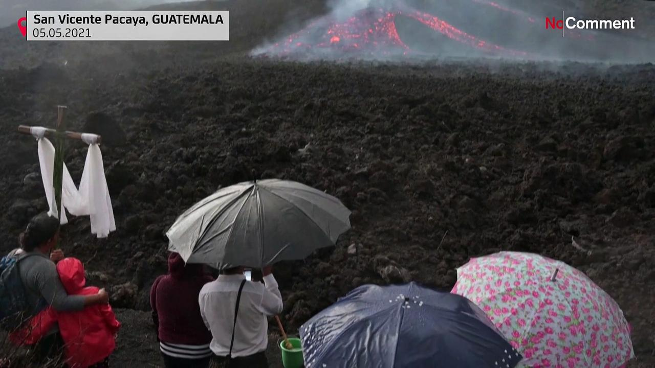 Guatemalans perform ritual asking for end of Pacaya volcanic activity