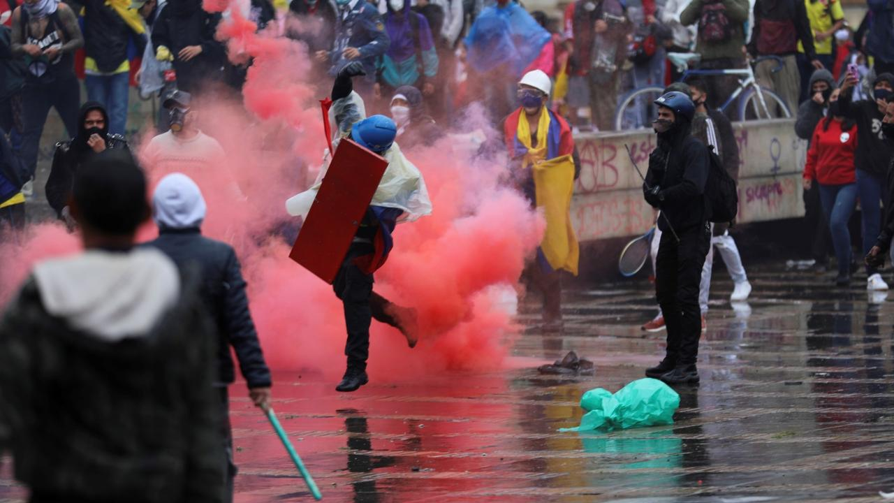 Demands grow as Colombians hold eighth day of mass protests