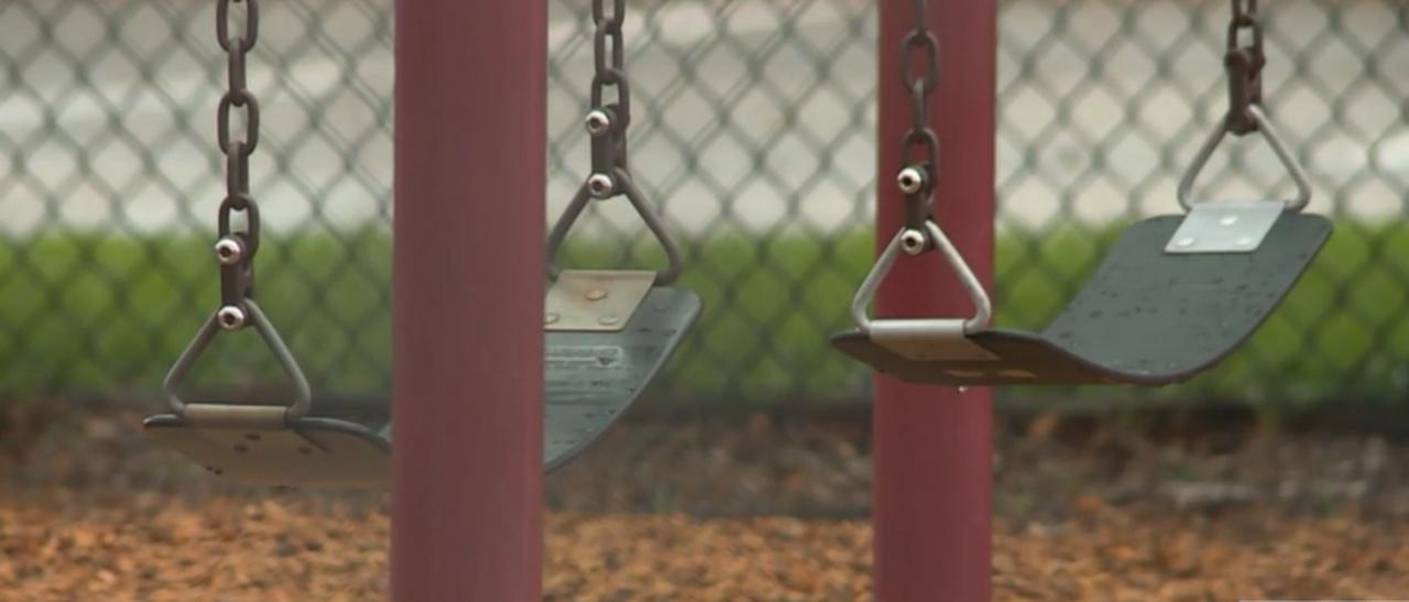 Some parents in favor of no masks on Palm Beach County school playgrounds
