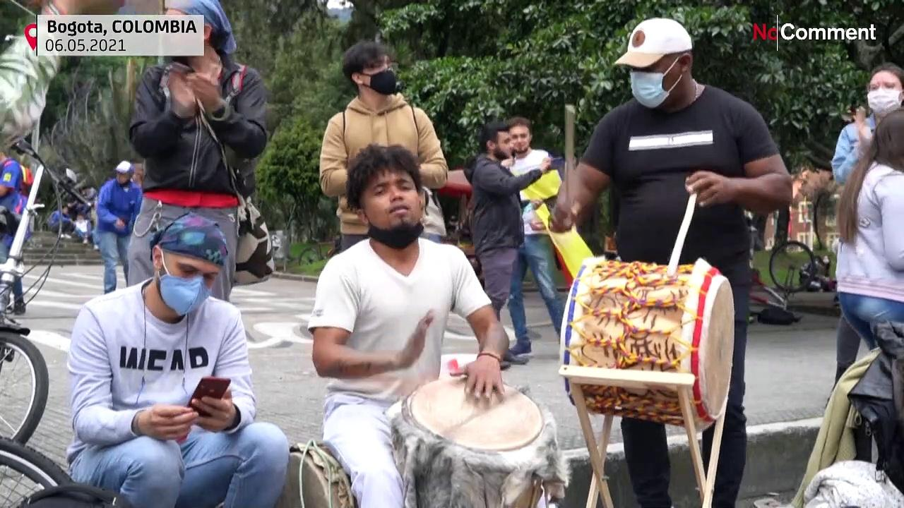 Colombians protest with music and dance in Bogota