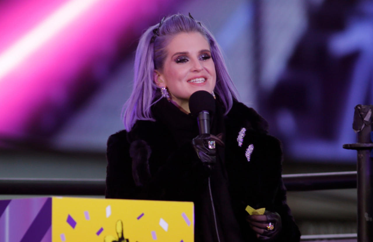 Kelly Osbourne binged on 'three bottles of champagne and 24 White Claws a day' amid relapse