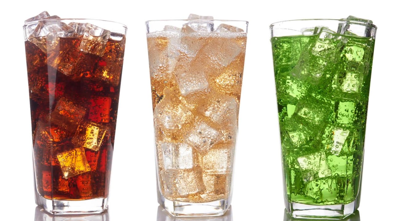 Fizzy drinks 'increase risk of bowel cancer in women under 50'