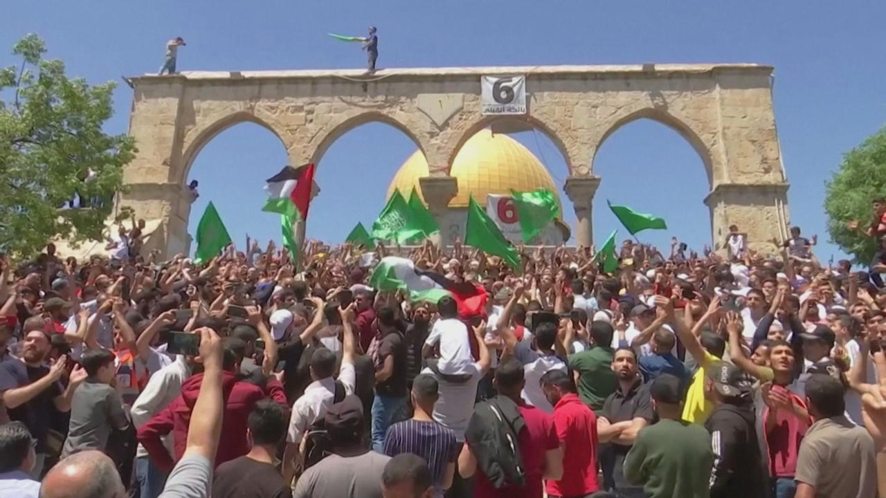 World reacts as Jerusalem tensions escalate