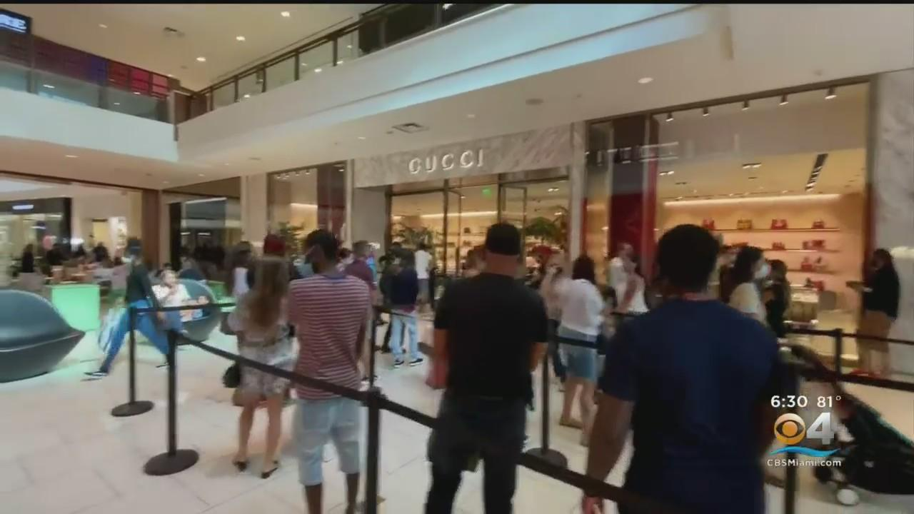 Aventura Mall Back In Business Day After Shooting