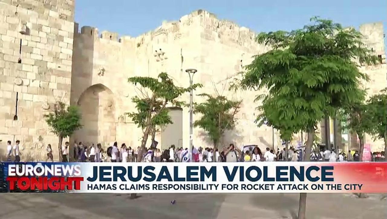Hamas fires rockets at Jerusalem amid Israeli-Palestinian tensions