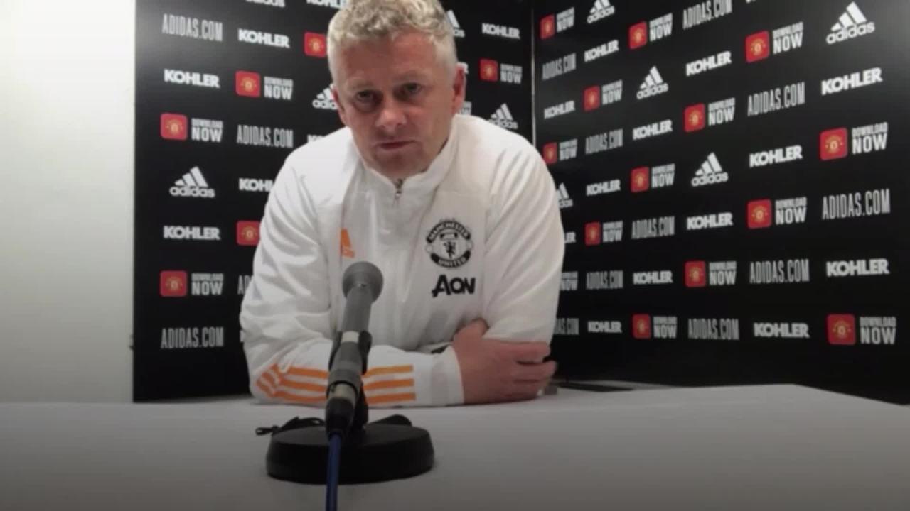 Solskjaer congratulates Manchester City on title win